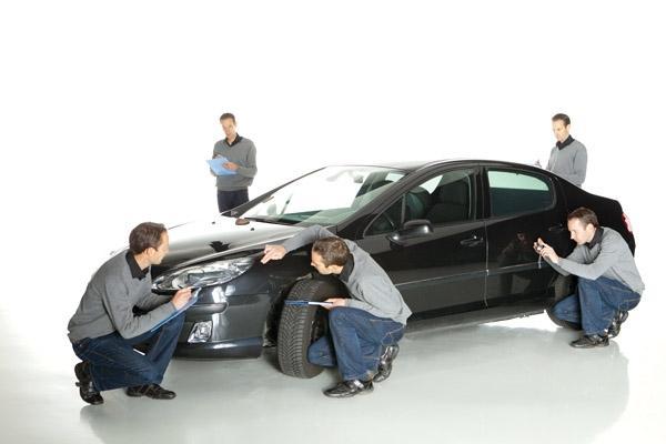 Kiểm tra xe hơi cũ kỹ càng trước khi quyết định mua xe