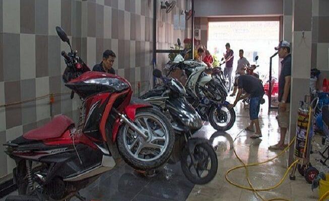 Cầu nâng rửa xe máy