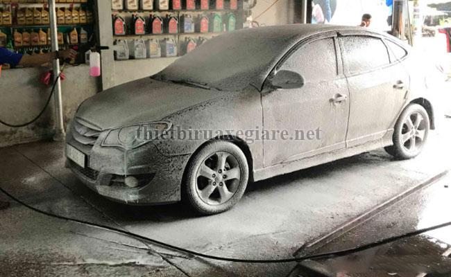 dung dịch rửa xe không chạm