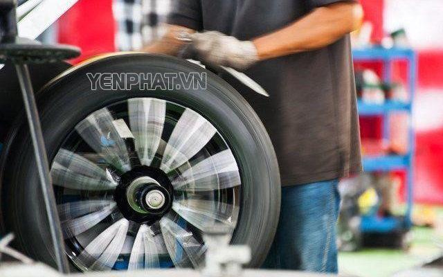 Cân bằng động bánh xe thực chất là cân bằng mâm bánh xe