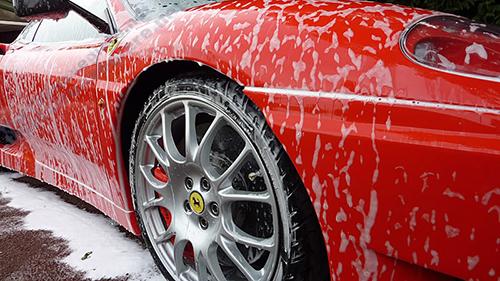 Bình phun bọt tuyết giúp quy trình rửa xe trở lên chuyên nghiệp hơn