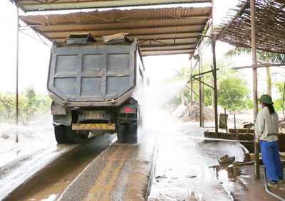 Cầu rửa xe bê tông thích hợp cho việc rửa xe tải