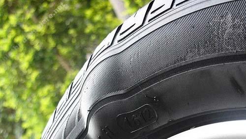 khi nào nên thay lốp xe máy