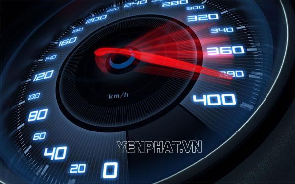Đi xe với tốc độ quá cao trong phố tiềm ẩn tai nạn giao thông