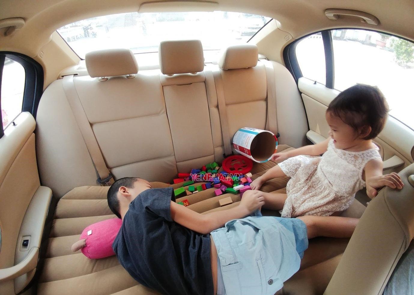 Sử dụng đệm giường ghế gây mất an toàn cho người ngồi sau