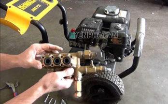 Xy lanh máy bị bẩn có thể làm bít tắc đường dẫn nước