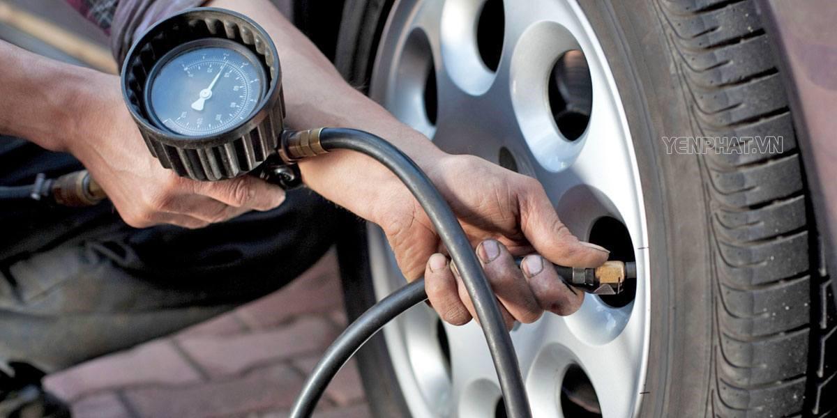 Cần sử dụng đồng hồ đo áp suất lốp để đạt hiệu quả nhất