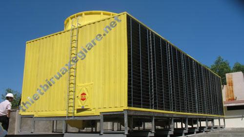 Tháp hạ nhiệt công nghiệp bị quá tải dẫn đến hư hỏng nặng
