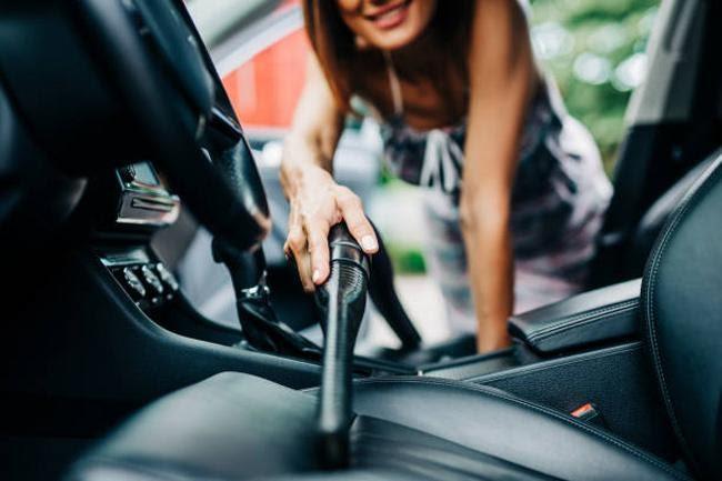 Khả năng làm sạch nội thất xe của máy hút bụi là rất lớn