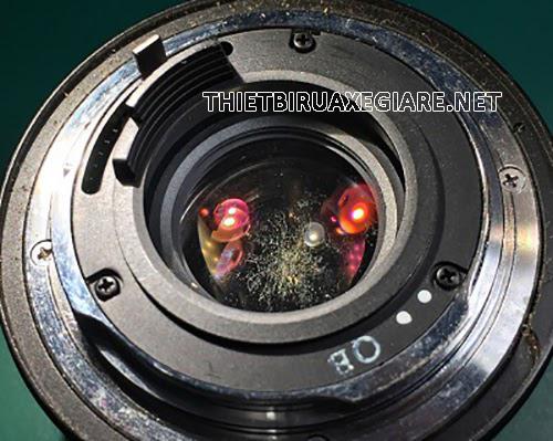 lens máy ảnh bị mốc