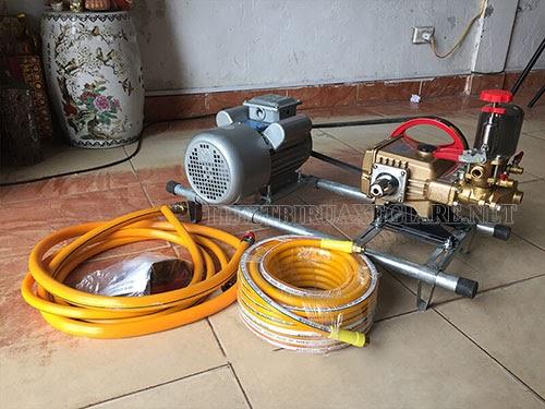 Lắp đặt phụ kiện máy rửa xe dây đai