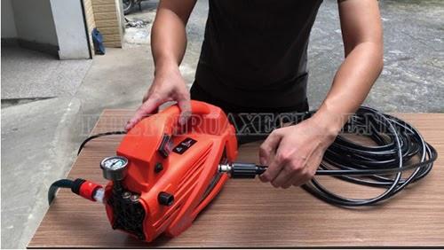 máy xịt rửa xe Eurox 889