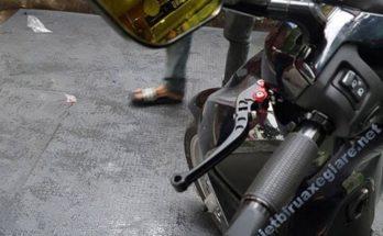 bao tay xe máy nào êm