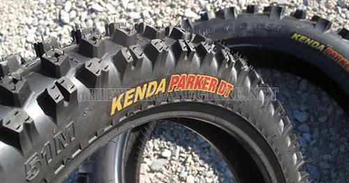lốp xe máy kenda có thiết kế bắt mắt