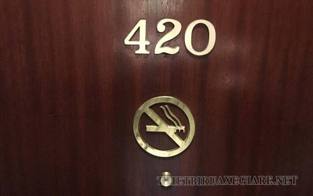 bí ẩn phòng số 420
