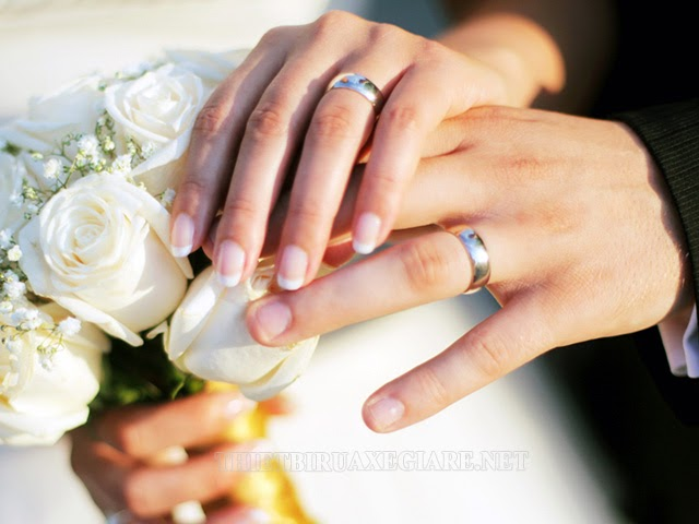 tại sao đeo nhẫn cưới vào ngón áp út